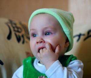 развитие ребенка восьмого месяца жизни