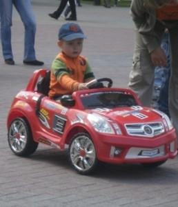 Выбираем детские машины