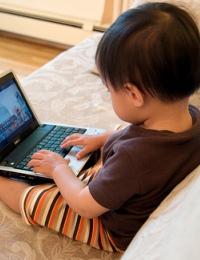 Современный слайд-проектор – полезная игрушка и окно в мир для вашего ребенка