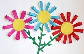 "Поделка на 8 марта ""Цветы из бумаги"""