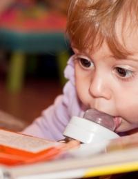 Читаем русские народные сказки ребенка