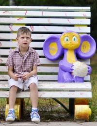 Кроссовки для детей: защита и комфорт.